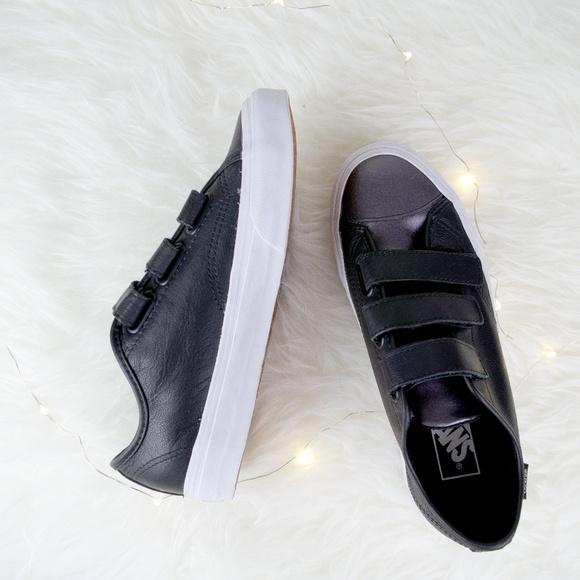 38c57f5c76fde9 Vans Shoes - VANS - Leather Old Skool V-Pro